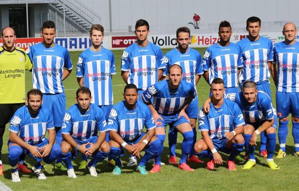 رئيس فريق يطرد 11 لاعبا ويحتفظ بالمدرب بسبب الخسارة