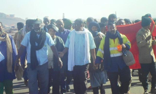 انهيار قيادات الحزب الحاكم بموريتانيا بسبب قضية حراس الزويرات