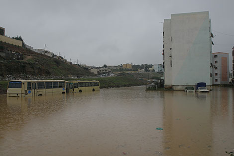 طوارئ في الولايات الوسطى والشرقية والسيول تجرف أحياء القصدير