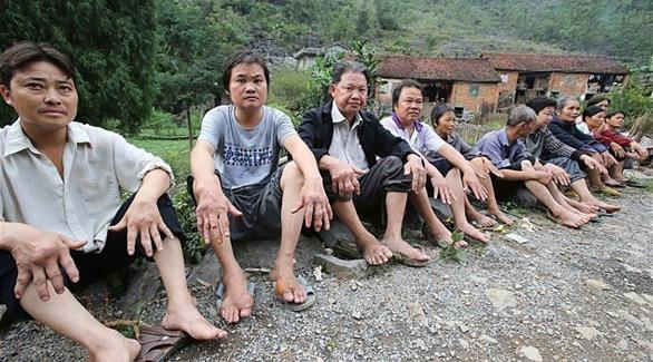 مرض مجهول يحول جميع سكان قرية إلى أشباح