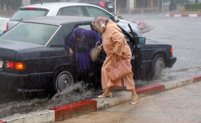 الأرصاد الجوية المغربية.. نزول قطرات مطرية متفرقة غدا الاثنين