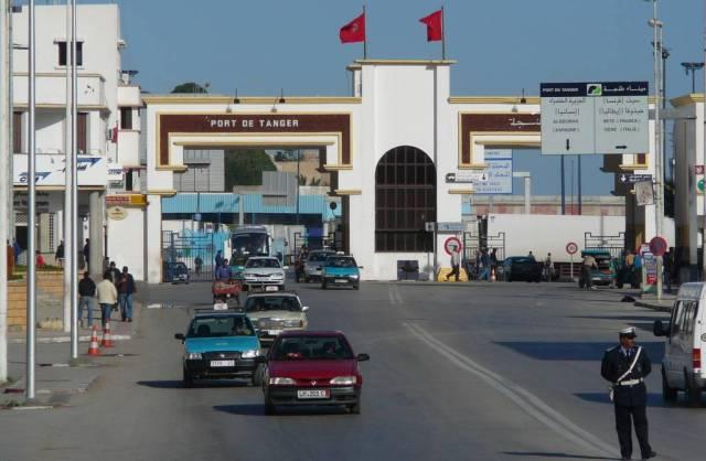 سوء أحوال الطقس يوقف حركة الملاحة البحرية بين ميناء طنجة ومدينة طريفة الإسبانية