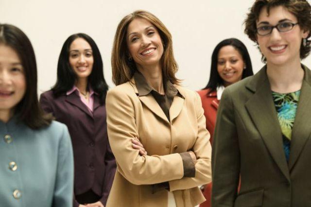 نساء المغرب وتونس والجزائر ضمن 30 سيدة متميزة عربيا
