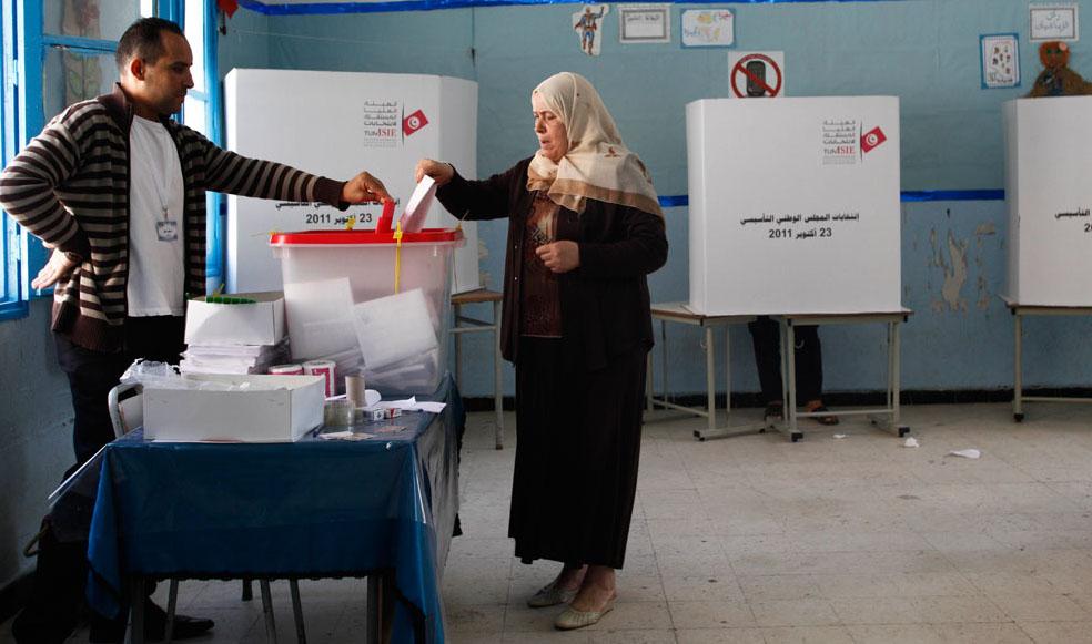 انتخابات تونس: 30 % نسبة الاقبال الى حدود الساعة 11 صباحا