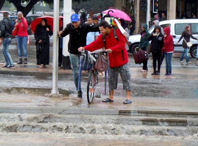 الأرصاد الجوية تتوقع نزول أمطار وزخات عاصفية جديدة شمال المغرب