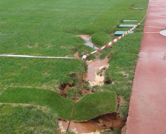 فضيحة عشب ملعب الرباط..استعمال رمال ملوثة وأخطاء قاتلة ومتعمدة همت أشغال الأرضية