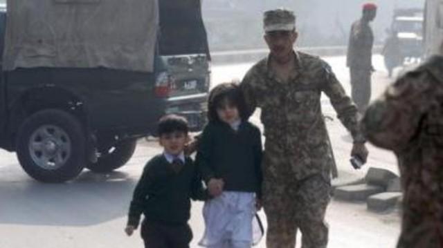 باكستان.. مجزرة دموية لطالبان توقع 130 قتيلا