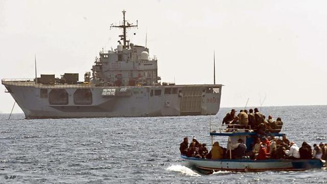 توقيف 45 مهاجرا سريا مغاربيا قبالة ساحل الميريا في اسبانيا