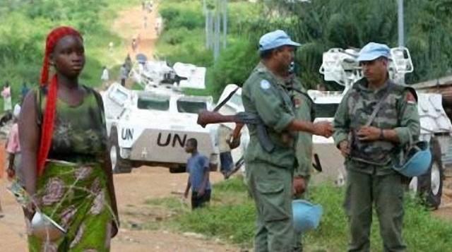القبعات الزرق التابعة للتجريدة المغربية في الكونغو تطارد المتمردين الأوغنديين