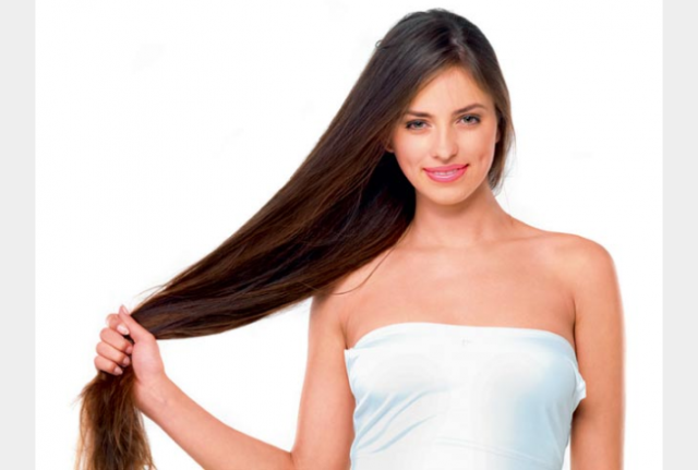 اكتشفي فوائد الفازلين على شعرك