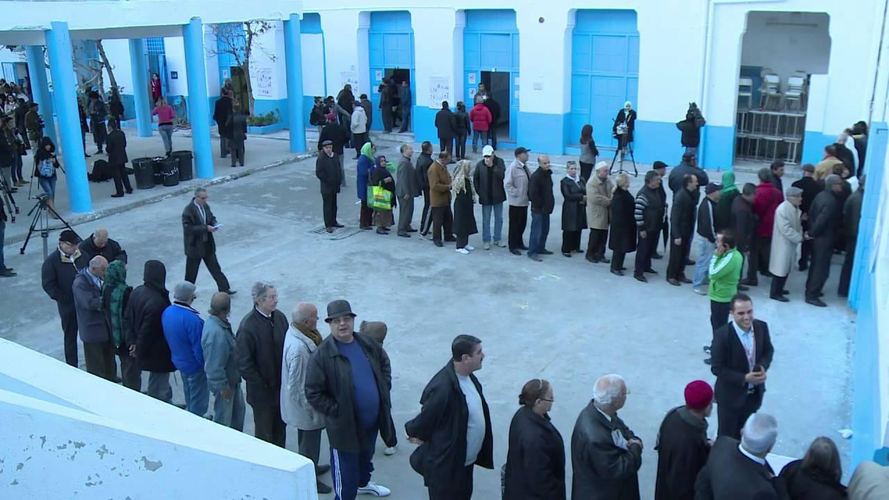 فتح مراكز الاقتراع للدورة الثانية من الانتخابات الرئاسية في تونس