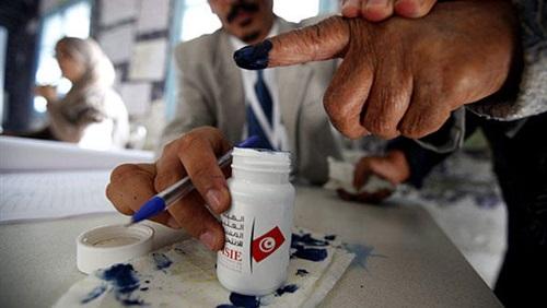 بدء الصمت الانتخابي في تونس.. ومواصلة التصويت في الخارج