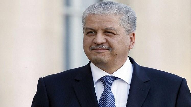الجزائر توقع 20 اتفاقية مع فرنسا