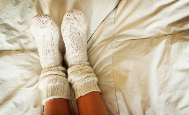 8 وسائل بسيطة تقضي على برودة الأقدام في الشتاء