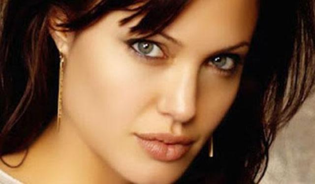 أنجلينا جولي تصاب بالجدري المائي