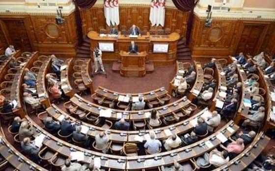 الجزائر.. مطالب بتوسيع صلاحيات مجلس الأمة