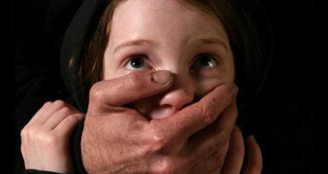 بالصور.. احباط جريمة اغتصاب وقتل بعد العثور على قبر معد لاستقبال جثة طفلة !