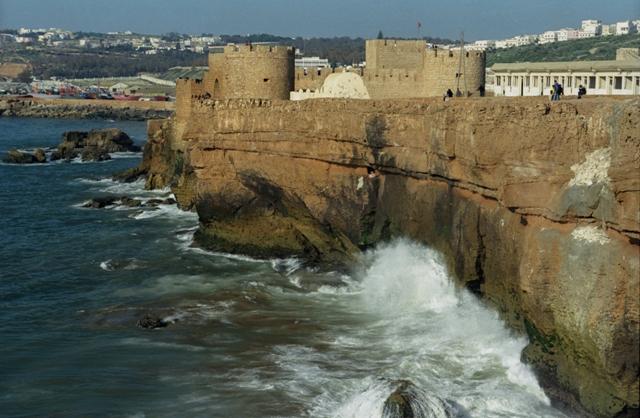 بعد فيضانات المغرب..فك العزلة عن مناطق قروية في اقليم اسفي
