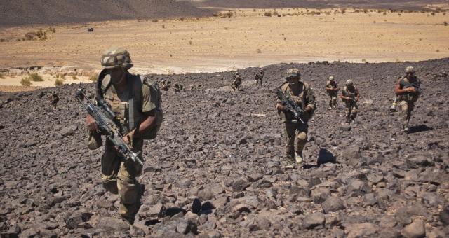 السيسي: جماعات إرهابية تتدرب في ليبيا من بينها