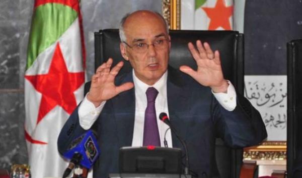 وزير الطاقة الجزائري يسعى للتخلص من فائض يقدر مليوني برميل نفط يوميا
