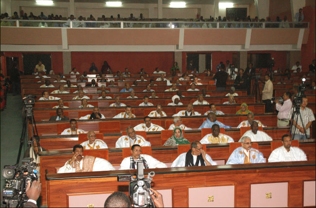 الحكومة الموريتانية تتصدى لمطالب النواب بخصوص رفع الامتيازات