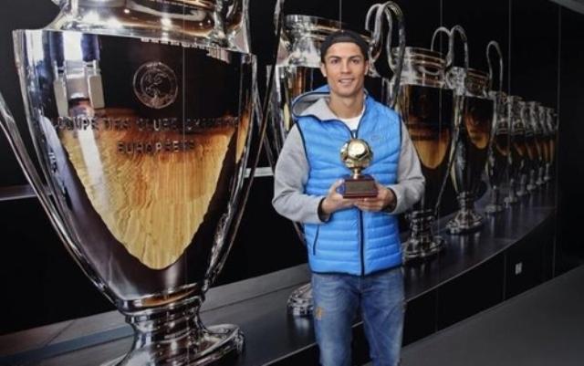 رونالدو يتوج بجائزة هداف العالم لـ2013
