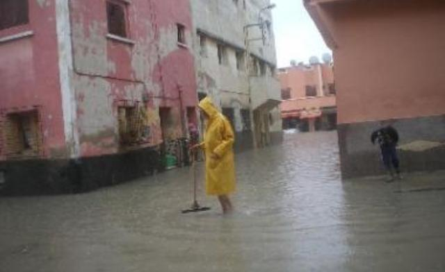 عقب الفيضانات ..الحكومة المغربية تعتزم تخصيص جزء هام من برنامج 2015 للأقاليم الجنوبية