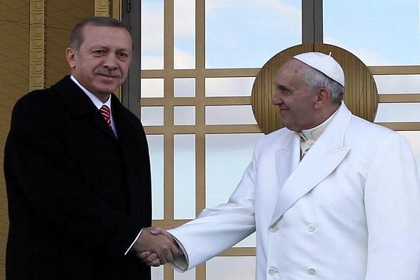 البابا واردوغان: حوار سياسي بين الاسلام المعتدل والفاتيكان
