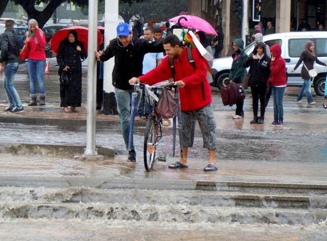 غيوم ورياح وتساقطات مطرية متفرقة في عدة مناطق في المغرب