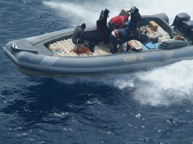 عناصر البحرية الملكية المغربية تحبط محاولة تهريب كبيرة للمخدرات