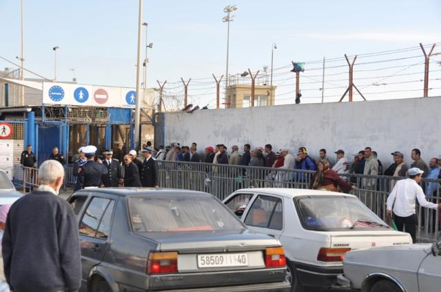 إحباط محاولة تهريب 200ألف أورو عبر باب سبتة بشمال المغرب