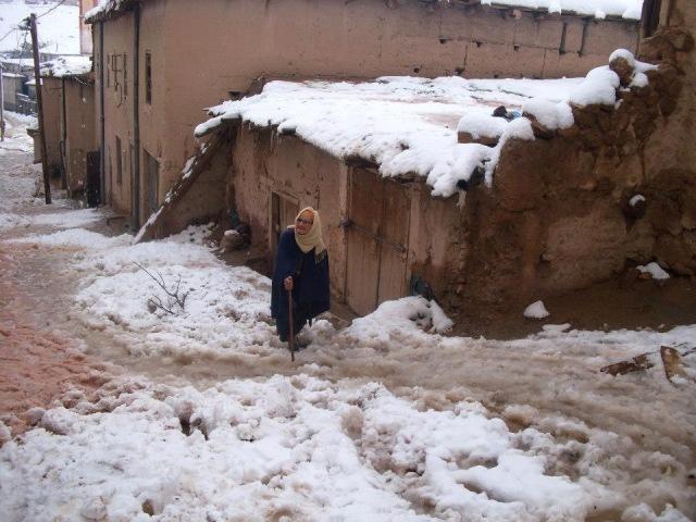 المغرب .. مساعدات وجهود طبية لإعانة ساكنة بعض المناطق على مواجهة البرد