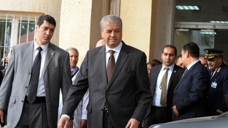 الجزائر..مواجهات عنيفة بين  مقصيين من السكن الاجتماعي والشرطة في تيسمسيلت