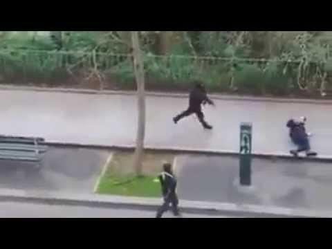 الهجوم على مقر جريدة