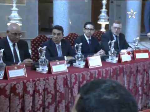 العاهل المغربي يترأس مجلسا للوزراء