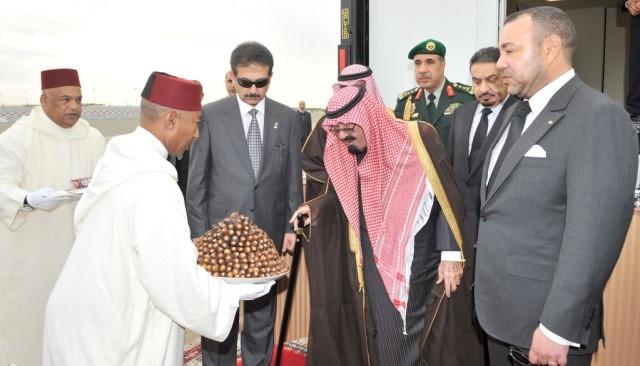 تنكيس الأعلام  في المغرب لمدة 3 أيام وإقامة صلاة الغائب بالمساجد بعد رحيل خادم الحرمين الشريفين