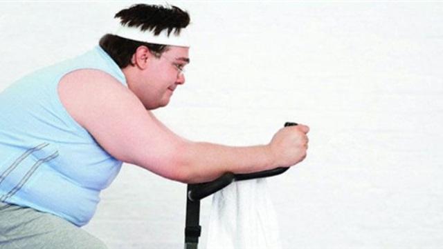 دراسة: الرجال يخسرون الوزن أسرع من النساء