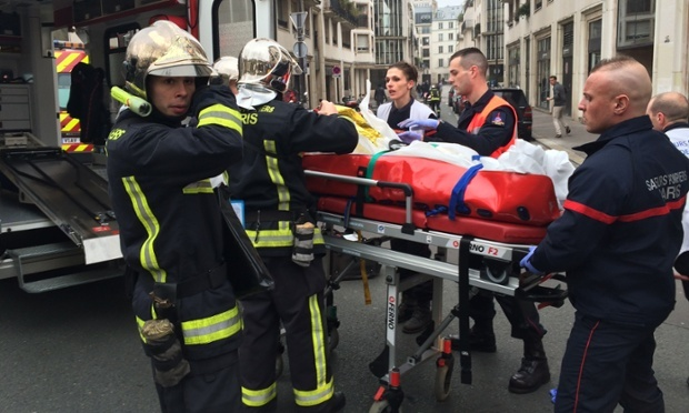 هجوم على صحيفة فرنسية يخلف 11 قتيلا