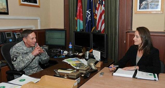 الجنرال الأمريكي بترايوس يواجه خطر المحاكمة