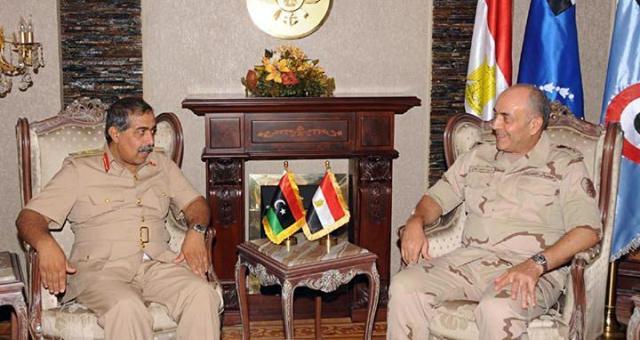 رئيس أركان الجيش الليبي بالقاهرة على رأس وفد عسكري