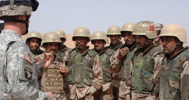 Iraqi soldiers training