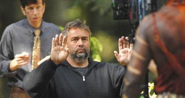 المخرج الفرنسي لوك بوسون يوجه رسالة مؤثرة لمسلمي فرنسا
