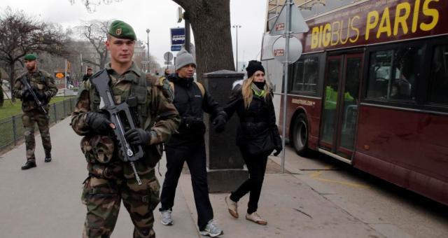 فرنسا تنشر إلى 10 آلاف عنصر أمن على مجموع ترابها