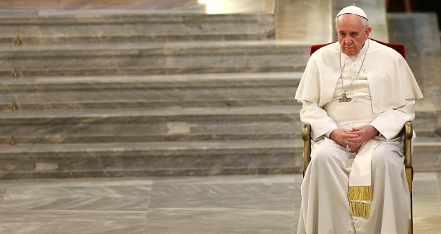 البابا فرانسيس يدين