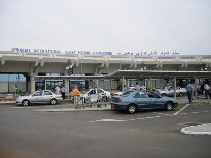 الجزائر تحبط مخططا إرهابيا يستهدف مطاري هواري بومدين وحاسي مسعود