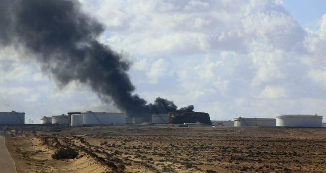 ليبيا: اكتمال السيطرة على حرائق خزانات ميناء السدرة