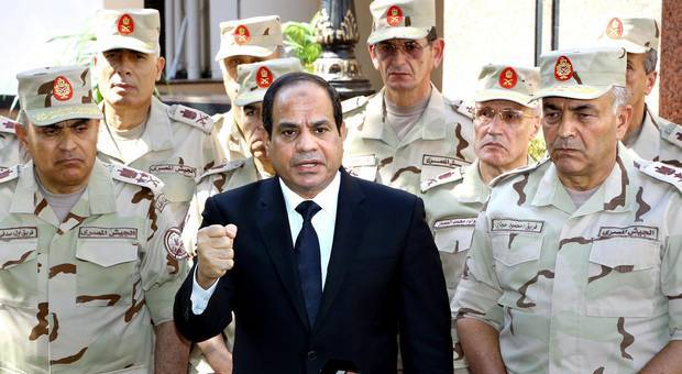 السيسي يعود لمصر بعد هجوم سيناء