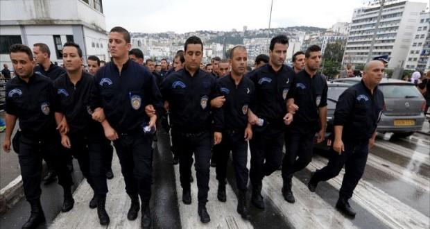 تونس.. وقفة احتجاجية لقوات الامن الوطني بسيدي بوزيد
