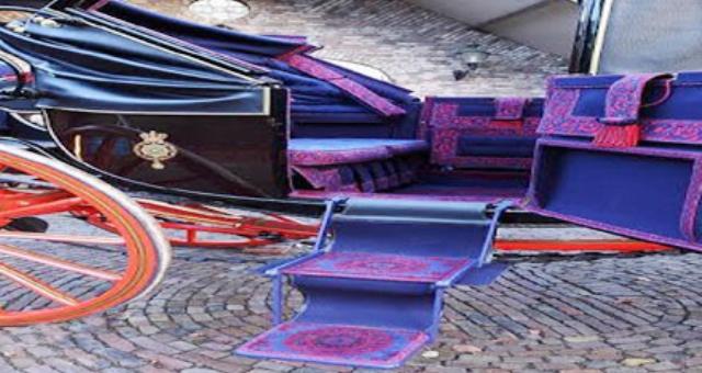عربات من «الإسطبل الملكي» في مزاد علني