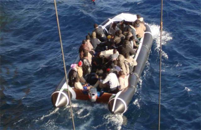 اسبانيا توقف 11 مهاجرا مغاربيا سريا عند محاولتهم الالتحاق بسواحلها على متن قارب مطاطي